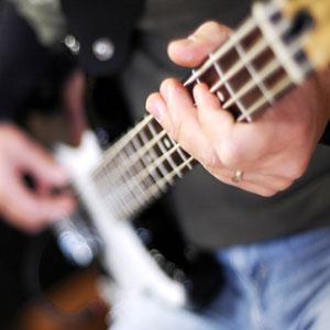 impara a suonare il basso elettrico