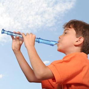 il ragazzo che suona il flauto dolce